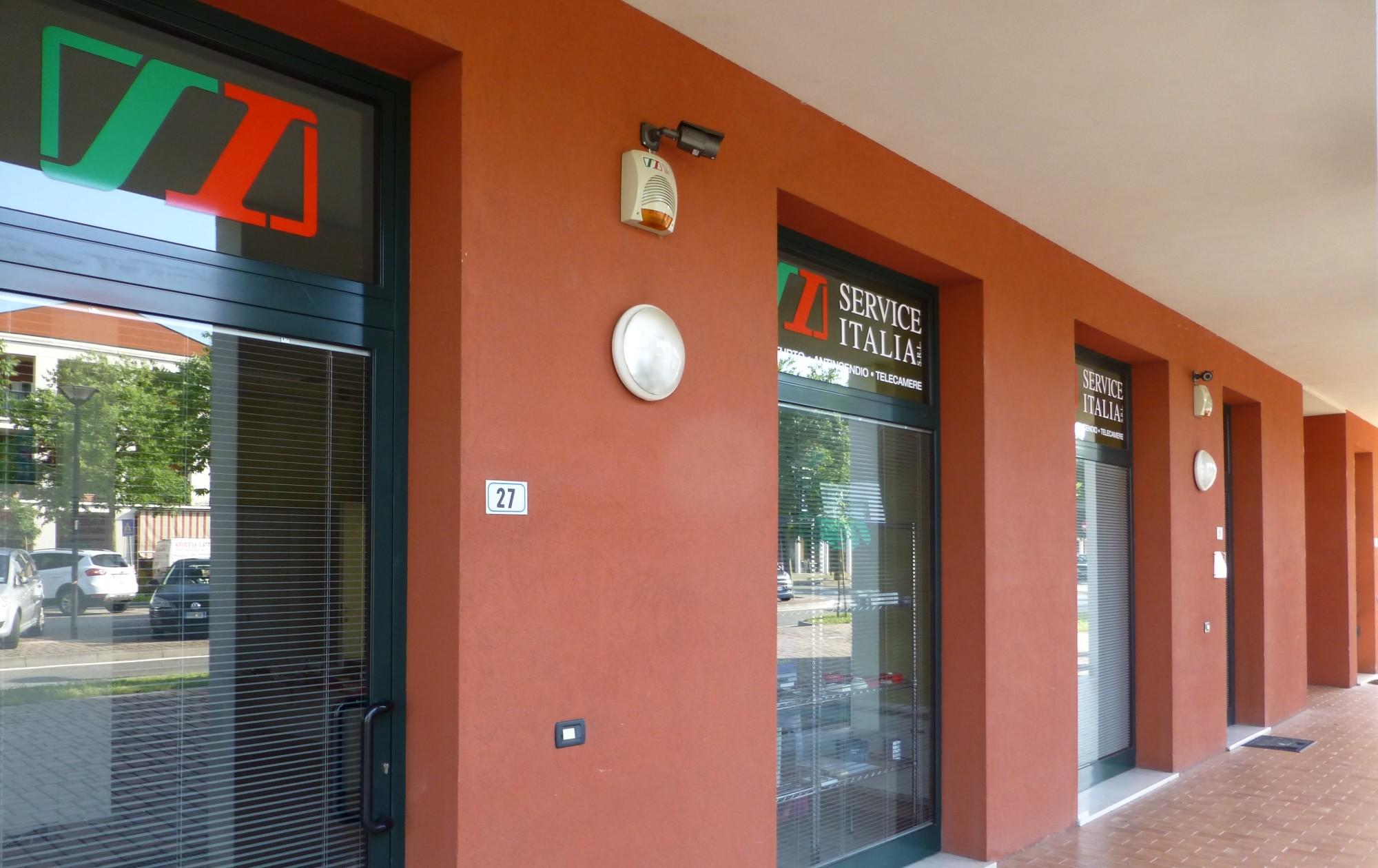 gli uffici Service Italia di San Zeno Naviglio